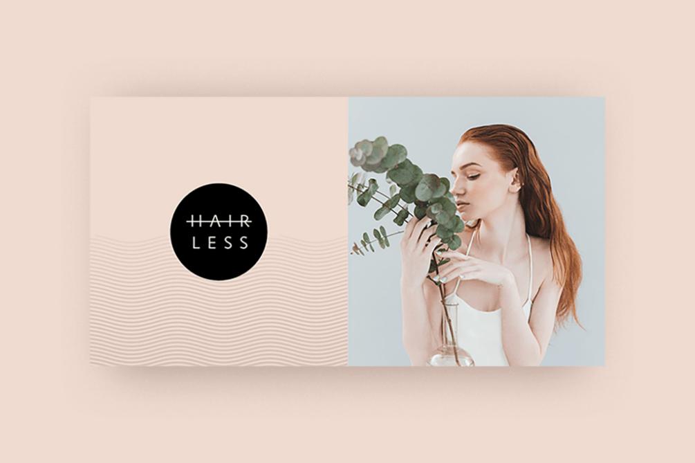žena v bielej nočnej košeli privoňiava ku kvetine hairless